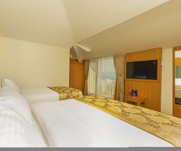 Seaview Triple Room
